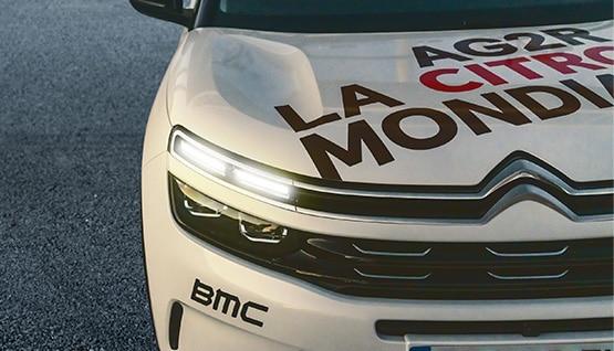 Face avant SUV C5 Aircross avec identité graphique AG2R CITROËN TEAM